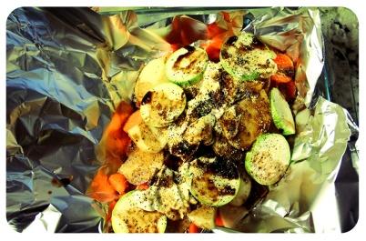 Día 305/365 : Noviembre 3, 2013 : Haciendo pescadito al horno con verduras para mi amor.